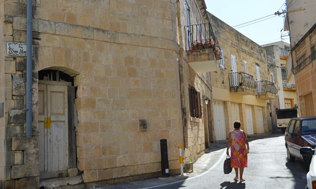 Walking along the history in the peacefulness of Zurrieq