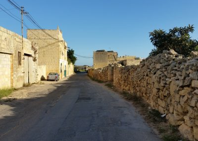 walking along the countryside Zurrieq from 18 to 19 point on the malta goes rural map (windmills walk zurrieq-safi)